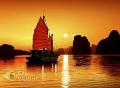 Ha Long Bay the northeastern province of Quang Ninh province includes some islands and islets, forming a spectacular seascape of limestone pillars. Exploring the islands of Ha Long Bay with Newyouth Tourism Vietnam Tours, Vietnam Travel, Vietnam Vacation, Hanoi, Monte Roraima, Vietnam Voyage, Ha Long Bay, Parc National, Cambodia