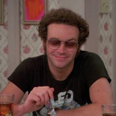 Hyde That 70s Show, Thats 70 Show, Series 3, Series Movies, 80s Shows, Eric Forman, 70s Icons, British Family, Rock N Roll Music