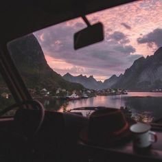 Inspiration Picture of Road Trip Aesthetic - Todosobre - Travel And Enjoy Living Beautiful World, Beautiful Places, Road Pictures, Travel Aesthetic, Nature Aesthetic, Pink Aesthetic, Adventure Is Out There, Aesthetic Pictures, Diy Art