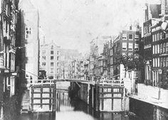 Martelaarsgracht voor demping in 1884.