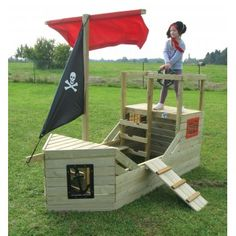 Pirate Ship Outdoor Playhouse Let your little smugglers spend a fun afternoon with this Pirate Ship Outdoor Playhouse, where your little bucaneers will be able to enjoy a ship that evokes the Blackbeard-Queen Anne's Revenge. Awesome wooden playhouse for y Pallet Playhouse, Build A Playhouse, Wooden Playhouse, Playhouse Ideas, Kids Outdoor Play, Kids Play Area, Outdoor Fun, Cubby Houses, Play Houses