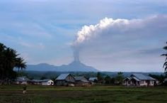 65: Mount Soputan volcano erupts in central Indonesia
