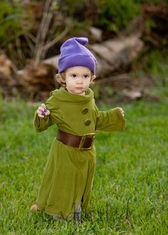 Adorable baby Dopey Halloween Costume! Made by Cadoozled. www.cadoozled.com Disney Baby Costumes, Twin Costumes, Cute Costumes, Costume Ideas, Family Halloween Costumes, Disney Halloween, Halloween Cosplay, Halloween Kids, Halloween 2018