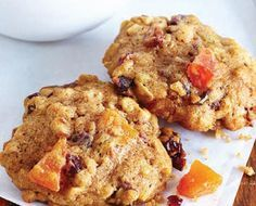 Biscuits gruau et fruits -----Excellent biscuit hummmm Oatmeal Applesauce Cookies, Oatmeal Breakfast Cookies, Breakfast Cookie Recipe, Cookie Recipes, Breakfast Recipes, Breakfast Ideas, Peanut Butter Cup Cookies, Caramel Cookies, Sugar Cookies