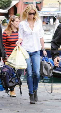 Gwyneth Paltrow R13 Skinny Jeans Faded Blue 1 e1349830253652 Gwyneth Paltrow in R13 Skinny Jeans in Faded Blue