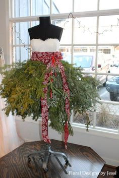 Christmas Tree Dress on a Mannequin Dress Form by Floral Designs by Jessi www.floraldesignsbyjessi.com #dressformchristmastree