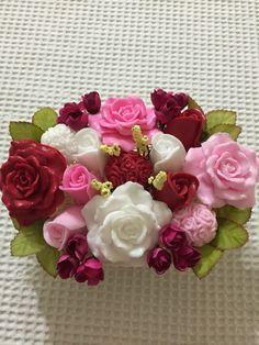 Hacer Hnmın sabun sepeti hazır iyi Günler'de kullanması dileğiyle Soap Gifts, Cold Porcelain Flowers, Soap Carving, Rose Soap, Soap Packaging, Soap Molds, Home Made Soap, Diy And Crafts, Projects To Try