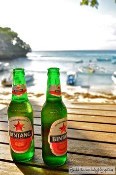 Bali  Bintang.. Balinees bier  '88 huwelijksreis naar Indonesië met een start in Singapore, daarna Sumatra, Java, Lombok, Bali en Sulawesi. Wat een ervaring!