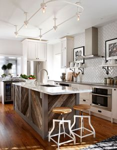 Surprising Kitchen layout design images tricks,Kitchen remodel johannesburg tricks and Small kitchen cabinets gallery ideas. Reclaimed Wood Kitchen, Wooden Kitchen, Rustic Kitchen, New Kitchen, Kitchen Ideas, Vintage Kitchen, Compact Kitchen, Kitchen White, White Kitchens