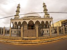 Fachada da Mezquita del Este.