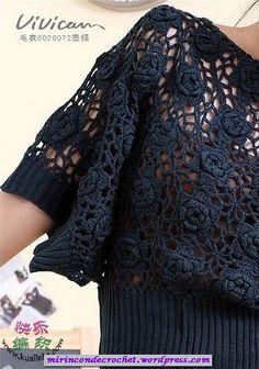 crochet rose top (chart for rose squares) Rosen Pullover Crochet Hoodie, Crochet Blouse, Knitted Poncho, Crochet Top, Black Crochet Dress, Summer Knitting, Vest Pattern, Cotton Crochet, Blouse Patterns