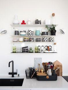 MEIDÄN KEITTIÖ Living Room Interior, Kitchen Interior, Kitchen Design, Kitchen Decor, Kitchen Ideas, Modern Table, Fashion Room, Dream Decor, Scandinavian Interior