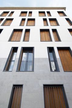 Image 6 of 23 from gallery of 19 Dwellings on Viana Street / García Floquet Arquitectos. Photograph by Iñaki Bergera Residential Architecture, Contemporary Architecture, Interior Architecture, Detail Architecture, Amazing Architecture, Building Exterior, Building Facade, Facade Design, Exterior Design