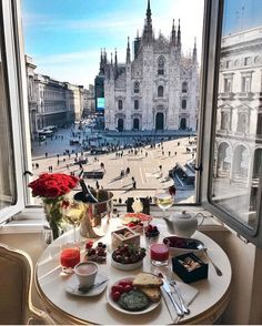 Beautiful view of Piazza del Duomo in Milan, Italy. Oh The Places You'll Go, Places To Travel, Station Essence, Travel Abroad, Adventure Is Out There, Travel Goals, Luxury Travel, Italy Travel, Wonders Of The World