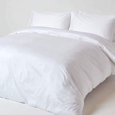 Upgrade your basic white bed linen with our luxurious and incredibly soft, 400 thread count, organic cotton king size duvet cover and pillow case set. Natural Bedding Our 400 thread count, cotton duvet cover set in bright white is organic, hyp King Size Bed Linen, Super King Size Bed, King Size Duvet Covers, Double Duvet Covers, White Duvet Covers, Single Duvet Cover, Bed Linen Sets, Duvet Cover Sets, Duvet Bedding Sets