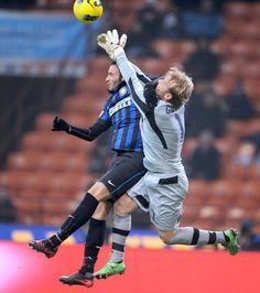 Gillet e Pazzini (Inter-Bologna Serie A)