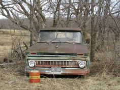 Abandoned Chevy. Colfax Missouri