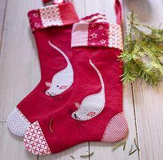 Zu Nikolaus wird der selbst genähte Stiefel aus Stoff mit Süßigkeiten und kleinen Geschenken gefüllt. Auch als weihnachtliche Aufbewahrung für Nüsse oder als...