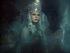 fugaciternelle:    Ninel Myshkova as Princess of Lake Ilmen in Sadko, 1952. Dir.: Aleksandr Ptushko.
