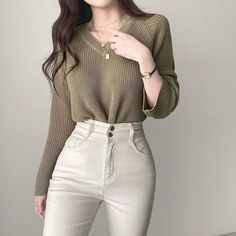 Kpop Fashion Outfits, Edgy Outfits, Classic Outfits, Korean Outfits, Cute Casual Outfits, Simple Outfits, Pretty Outfits, Fashion Clothes, Korean Girl Fashion