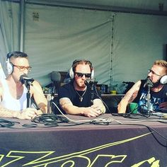 An interview with @BKerchOfficial and @Ebassprod at Rock USA @Shinedown (by 94.7 The Razor) Listen here: (Link also in bio) http://www.shinedownsnation.com/an-interview-with-barry-kerch-and-eric-bass-at-rock-usa-by-94-7-the-razor/   Barry Kerch Brent Smith Eric Bass Shinedown Shinedown Nation Shinedowns Nation Zach Myers