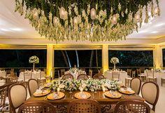 decoração de casamento com flores brancas e decoração aérea madame fiori