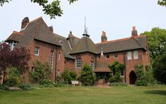 William Morris' Red House: Bexleyheath/  Wm Morris founder Arts and Crafts movement