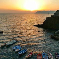 📸: The best place to see out your day is down by the Riomaggiore harbour-side where you can view a spectacular sunset 🌅 along the Italian Riviera coastline. So grab some gelato🍦, choose a spot along the rocks ledge and enjoy the show 💛  www.thegirlswhowander.com  #thegirlswhowander #Riomaggiore #sunset #Italy #ItalianRiviera #topitalyphoto #hike #harbour #boat #beauty #travel #instatravel #photography #photooftheday #picoftheday #linkinbio #GirlsBornToTravel Riomaggiore, The Girl Who, Gelato, The Rock, Places To See, Wander, The Good Place, Rocks, Hiking