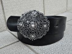 Black Annlis Gürtel aus Leder mit Gürtelschnalle von Midia auf DaWanda.com