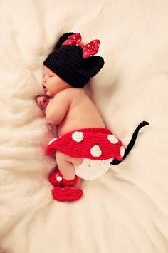 baby minnie - This is probably the best knitted baby outfit I have ever seen