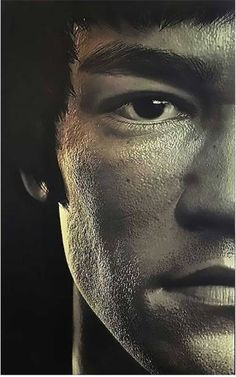 10 Surprising Facts About Bruce Lee Bruce Lee was more than just a martial artist, movie star, and cultural icon. Brandon Lee, Bruce Lee Photos, Foto Portrait, Portrait Photography, Arte Bruce Lee, Bruce Lee Frases, Bruce Lee Martial Arts, Images Star Wars, Enter The Dragon