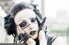 #Vampirefreaks #Goth girl model Noizmare rockin' some dark make-up