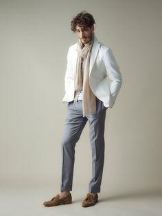 白のジャケットは 品よく、程よく、センス良く