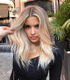 The most beautiful haircuts for blond hair - Blonde Haare - Frisuren Beautiful Haircuts, Pretty Hairstyles, Bob Hairstyles, Medium Blonde Hairstyles, Bob Haircuts, Long Blonde Haircuts, Medium Shag Haircuts, Cute Simple Hairstyles, Long Layered Haircuts