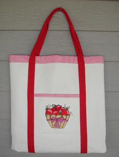 Embroidered Tote Pockets - Free PDF Tutorial by Jo-Lydia's Attic Designs