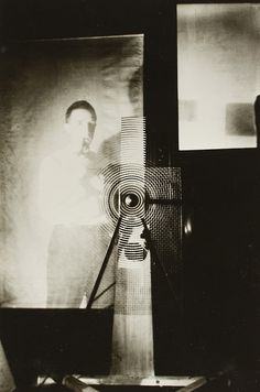 """last-picture-show: """"Man Ray, Marcel Duchamp behind the """"Rotary Glass Plates"""" in Motion, 1920 """" Harlem Renaissance, Lee Miller, Henry Miller, Man Ray Photographie, Hans Richter, Hans Arp, 1940s Photos, Francis Picabia, Art Deco"""