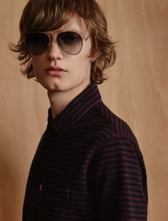 Thom wears polo Levi' and sunglasses Givenchy. Male Photography, Mens Glasses, Fashion Story, Contemporary Style, Male Models, Man Sunglasses, Stylists, Givenchy, Editorial