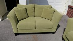 Check more at http://www.aventesofa.net/designing-a-colourful-home-decor-with-green-loveseat/