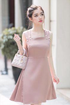 Korean Fashion – How to Dress up Korean Style – Designer Fashion Tips Simple Dresses, Cute Dresses, Casual Dresses, Short Dresses, Fashion Dresses, Pink Colour Dress, Pink Dress, Dress Up, Cute Fashion