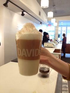 How to Make a David's Tea Layered Tea Latte (from the pros at David's Te - Nora K. Alcohol Recipes, Tea Recipes, Yummy Drinks, Delicious Desserts, Southern Sweet Tea, Davids Tea, Latte Recipe, Tea Latte, Cuppa Tea