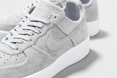 Wolf Grey: Nike Air Force 1. Hier entdecken und shoppen: http://sturbock.me/2AX