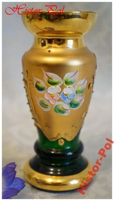 Vintage Murano green glass small vase with gilt and hand painted paste decorations prob. by Moser, marketed by Casa de Regalo Bortoli Venezia, Venice, Italy