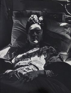 As the V&A prepares to open its Frida Kahlo exhibition this summer, Michael Hoppen Gallery has put together a complementary exhibition of portraits of the artist, alongside photographs of her belongings by Ishiuchi Miyako. Diego Rivera, Frida And Diego, Mexican Artists, Portraits, My Muse, Mo S, Mexico City, Great Artists, My Idol