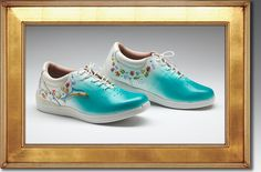 Beautiful handpainted shoes by Eleanor Leinen.