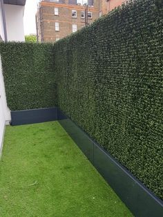 Artificial Hedges, Artificial Boxwood, Artificial Turf, Artificial Plants, Cheap Privacy Fence, Privacy Fence Designs, Front Yard Landscaping, Backyard Patio, Sloped Garden