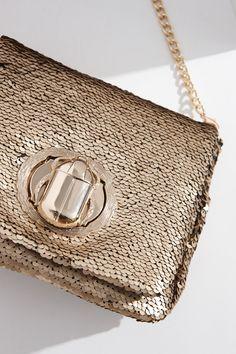 bfbdd501ea8b 21 Best House of Versace images | Moda femenina, Beige tote bags ...