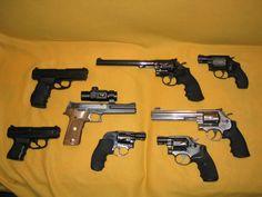 assorted pistolas