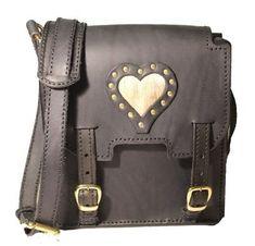 zwarte schoudertas met hartje, met studs, gemaakt van tuigleer