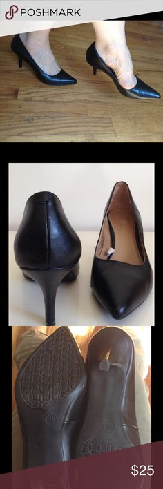 """MERONA Black Pumps Pointy Toe Vegan Leather 7.5 These have the timeless appeal of the Manolo Blahnik ones Carrie in Sex & the City wore, but w/o the steep financial commitment. These look unworn to me. 3"""" heel. No marks or scratches to report - just pretty pumps waiting to help make your Fashion Game that much stronger, whether you rock these w/a pencil skirt to work, with leather skinnies for a punk rock vibe, or a stylish pair of evening / tuxedo shorts. Save an additional 30%…"""