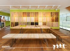 Massivholzdielen Ausstellung mit neuem Esstisch-Modell in der Parkett Ausstellung Tirol  #Massivdielen #Massivholzdiele #Parkett #Echtholzparkett #Esstisch